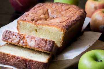 Apple Cinnamon Pound Cake